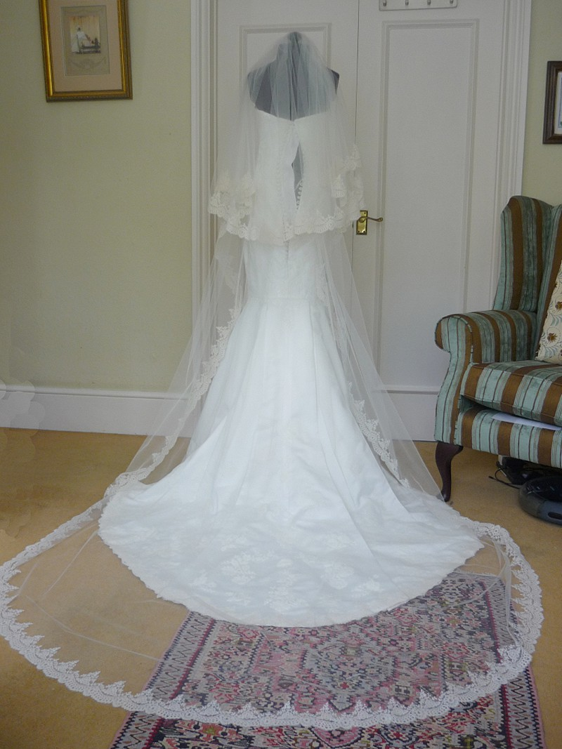 wo tier bespoke veil tulle and lace edge